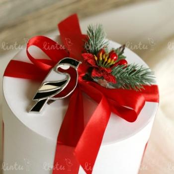 Снегирь на снегу | Корпоративные наборы подарков | Корпоративные подарки на 23 февраля | Подарки на день железнодорожника | Детские подарки о